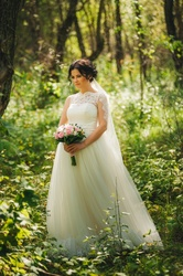 Продам кружевное свадебное платье